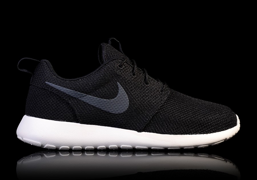 ef417cbef348 NIKE ROSHE ONE BLACKOUT price €62.50