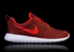 NIKE ROSHE ONE PREMIUM UNIVERSITY RED