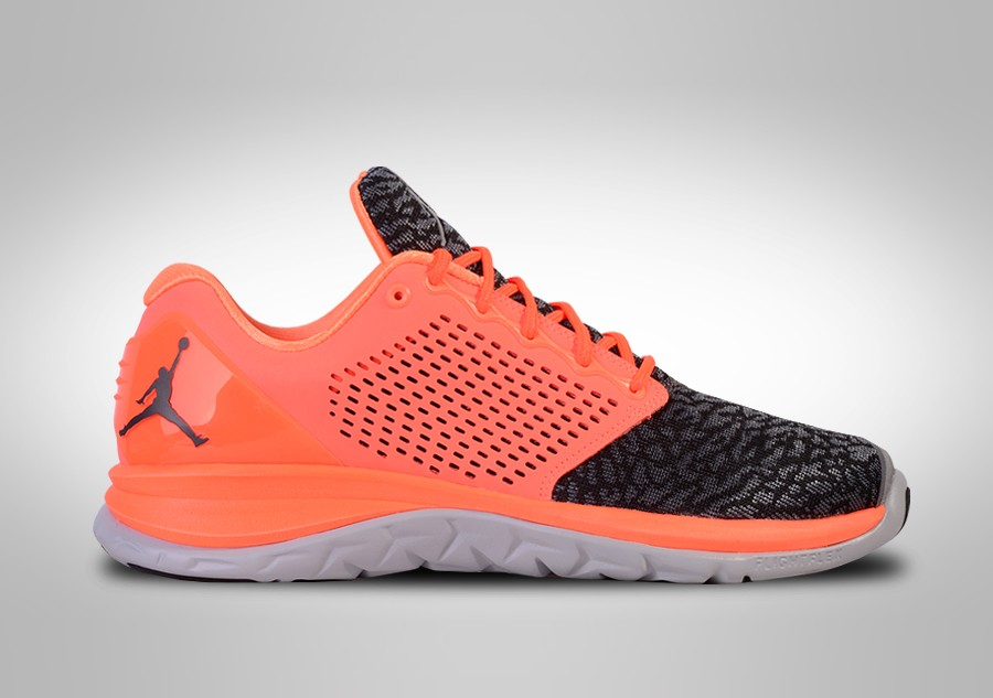 new product 70244 bc25c NIKE AIR JORDAN TRAINER ST HYPER ORANGE per €92,50   Basketzone.net