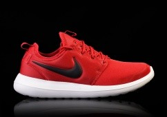 NIKE ROSHE TWO GYM RED