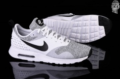 NIKE AIR MAX TAVAS PREMIUM BLACK & WHITE price €117.50
