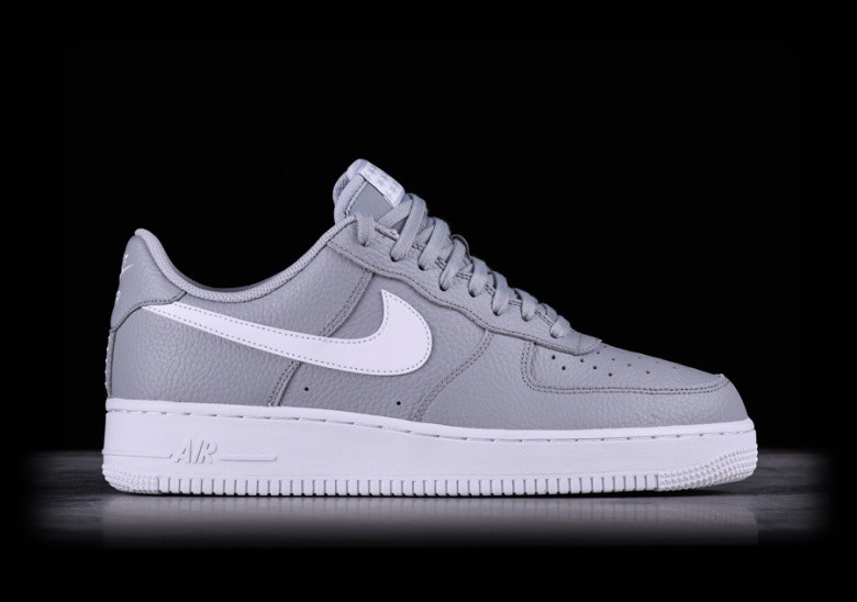 regard détaillé 9d8e7 124c8 NIKE AIR FORCE 1 '07 WOLF GREY pour €92,50 | Basketzone.net