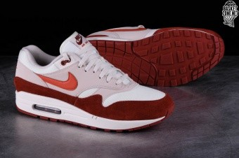 first rate 81488 ca1ec NIKE AIR MAX 1 CURRY 2.0. AH8145-104