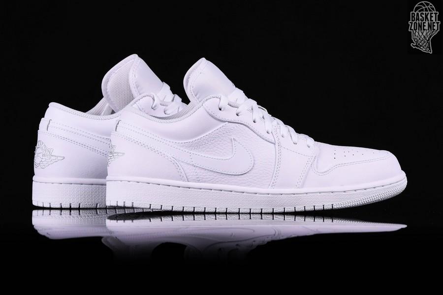 best sneakers 25860 54e35 NIKE AIR JORDAN 1 RETRO LOW TRIPLE WHITE