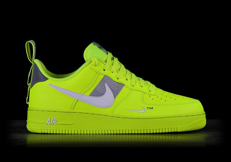 sports shoes 2bbcf 58409 NIKE AIR FORCE 1  07 LV8 UTILITY VOLT