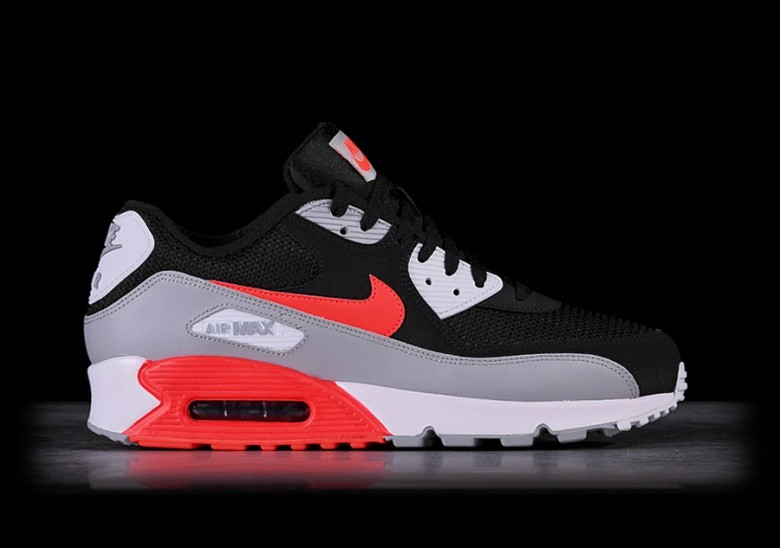 NIKE AIR MAX 90 ESSENTIAL INFRARED für €127,50 |