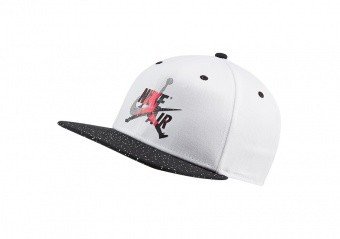 NIKE AIR JORDAN PRO JUMPMAN CLASSICS CEMENT HAT WHITE