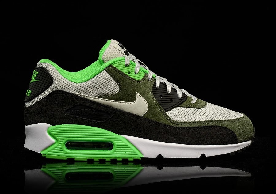 af716fa4891 NIKE AIR MAX 90 ESSENTIAL LIGHT BONE pour €112